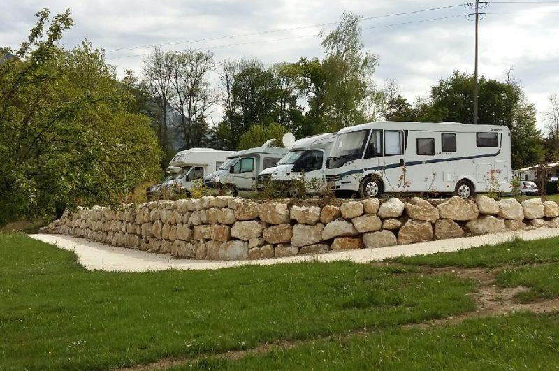 Enrochement place caravanes aix les bains